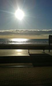 amaneciendo-con-las-olas-rugien_Pablo-Vidal_3Beso
