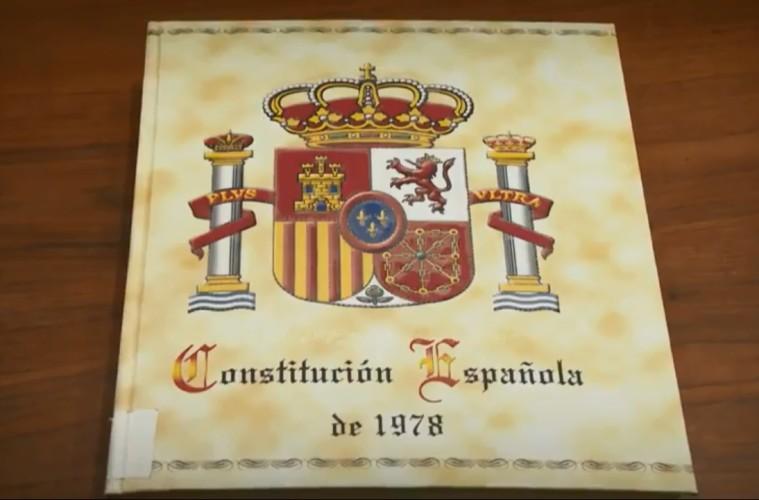 Celebrando los 40 años de Constitución
